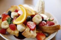Υγιής γλυκιά σαλάτα φρούτων Στοκ εικόνες με δικαίωμα ελεύθερης χρήσης