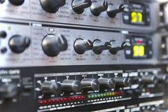 Υγιής εξοπλισμός ελέγχου Λεπτομέρεια πινάκων Κουμπιά αποσύνθεσης εκφωνητές στοκ εικόνα