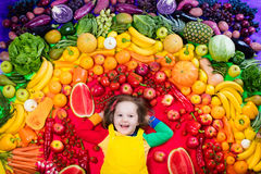 Υγιής διατροφή φρούτων και λαχανικών για τα παιδιά Στοκ εικόνα με δικαίωμα ελεύθερης χρήσης