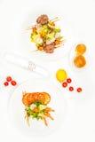 Υγιής και φρέσκια σαλάτα με τις γαρίδες και τα λαχανικά Στοκ φωτογραφίες με δικαίωμα ελεύθερης χρήσης