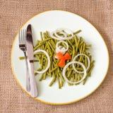 Υγιής κατανάλωση: nutrisious πράσινη σαλάτα φασολιών Στοκ Εικόνα
