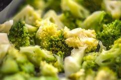 Υγιής σαλάτα με το μπρόκολο στοκ φωτογραφία με δικαίωμα ελεύθερης χρήσης