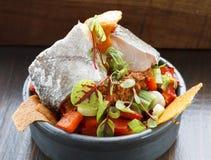 Υγιής σαλάτα ακατέργαστων ψαριών Στοκ Εικόνα