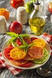Υγιής σαλάτα ντοματών οικογενειακών κειμηλίων Στοκ φωτογραφία με δικαίωμα ελεύθερης χρήσης