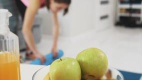 Υγιής τρόπος ζωής, ικανότητα Μια αθλήτρια που εργάζεται το πρωί