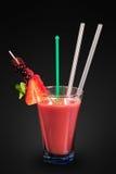 υγιής φράουλα διαλύματος ανθρώπων κοκτέιλ Στοκ εικόνα με δικαίωμα ελεύθερης χρήσης