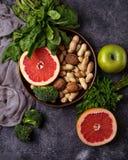 υγιής χορτοφάγος τροφίμων Καθαρή κατανάλωση και ακατέργαστη έννοια διατροφής Στοκ Φωτογραφίες