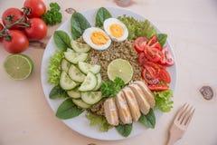 Υγιής quinoa σαλάτα κύπελλων Στοκ Φωτογραφία