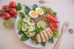 Υγιής quinoa σαλάτα κύπελλων Στοκ φωτογραφία με δικαίωμα ελεύθερης χρήσης
