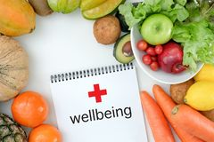 Υγιή διατροφή και φάρμακο διατροφής διατροφής ευημερίας κετονογενετικά υγιή φυτικά στοκ εικόνα