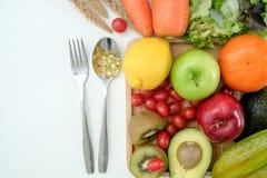 Υγιή διατροφή και φάρμακο διατροφής διατροφής ευημερίας κετονογενετικά υγιή φυτικά στοκ εικόνες με δικαίωμα ελεύθερης χρήσης