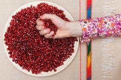 Υγιή και νόστιμα χορτοφάγα βιταμίνες και αντιοξειδωτικοοι τροφίμων σε ένα πιάτο Στοκ φωτογραφία με δικαίωμα ελεύθερης χρήσης