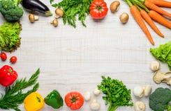 Υγιή οργανικά λαχανικά στο διαστημικό πλαίσιο αντιγράφων Στοκ φωτογραφία με δικαίωμα ελεύθερης χρήσης