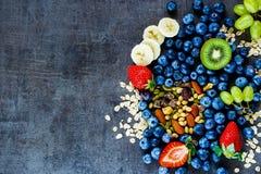 Υγιή συστατικά για το πρόγευμα ή το καταφερτζή στοκ εικόνες