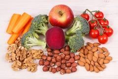 Υγιή τρόφιμα για τη δύναμη εγκεφάλου και την καλή μνήμη, θρεπτικά περιέχοντα φυσικά μεταλλεύματα κατανάλωσης Στοκ εικόνα με δικαίωμα ελεύθερης χρήσης