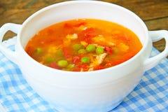 Υγιή τρόφιμα: Λαχανικά σούπας ψαριών Στοκ Φωτογραφίες