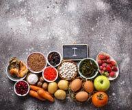 Υγιή τρόφιμα που περιέχουν το ιώδιο Προϊόντα πλούσια σε Ι στοκ εικόνα με δικαίωμα ελεύθερης χρήσης
