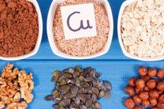 Υγιή τρόφιμα που περιέχουν το χαλκό, τα μεταλλεύματα και την τροφική ίνα, υγιής έννοια διατροφής Στοκ φωτογραφία με δικαίωμα ελεύθερης χρήσης