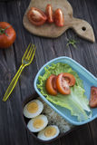 Υγιή τρόφιμα σε ένα εμπορευματοκιβώτιο που μπορείτε να πάρετε με σας Στοκ Φωτογραφίες
