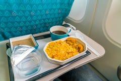 Υγιή τρόφιμα στο αεροπλάνο με τον καφέ Στοκ Εικόνες