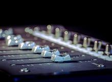 Υγιείς ολισθαίνοντες ρυθμιστές στούντιο μουσικής καταγραφής Στοκ Εικόνα