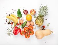 Υγιεινή διατροφή ποικιλίας σε ένα άσπρο υπόβαθρο στοκ εικόνες