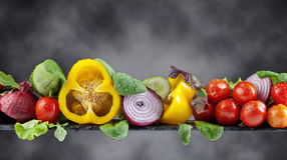 Υγρά λαχανικά με τα σταγονίδια νερού Στοκ Εικόνα