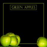 Υγρά πράσινα μήλα και κείμενο Backgroud Στοκ εικόνες με δικαίωμα ελεύθερης χρήσης
