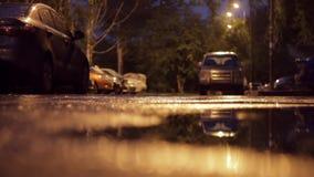 Υγρός δρόμος μετά από τη βροχή απόθεμα βίντεο