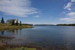 Υδάτινη οδός όψης τοπίων στο Maine Στοκ Εικόνες