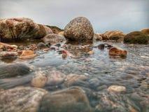 Υδατώδης βράχος στοκ φωτογραφίες με δικαίωμα ελεύθερης χρήσης