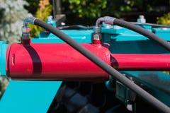 υδραυλικός κύλινδρος, γεωργική μονάδα δίσκων σε ένα από τα ράφια στοκ φωτογραφία με δικαίωμα ελεύθερης χρήσης