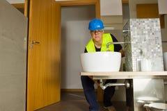Υδραυλικός στην εργασία Στοκ Φωτογραφία