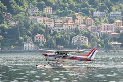 Υδροπλάνο στη λίμνη Como, Ιταλία Στοκ εικόνες με δικαίωμα ελεύθερης χρήσης