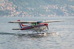 Υδροπλάνο στη λίμνη Como, Ιταλία Στοκ φωτογραφία με δικαίωμα ελεύθερης χρήσης