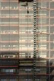 Υλικά σκαλωσιάς με το μουσαμά Στοκ φωτογραφία με δικαίωμα ελεύθερης χρήσης