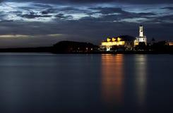 Υπέροχα αναμμένο μουσουλμανικό τέμενος Στοκ Εικόνες