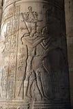 Υπέροχα διακοσμημένες στήλες σε Kom Ombo στην Αίγυπτο στοκ φωτογραφία
