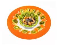 Υπέροχα τακτοποιημένο πιάτο φρούτων Στοκ Εικόνα