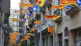Υπέρ Καταλανικό Flagstaff ανεξαρτησίας σε μια θυελλώδη ημέρα απόθεμα βίντεο