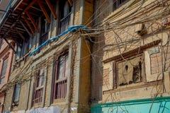 Υπαίθρια άποψη του πολύ παλαιού και χαλασμένου κτηρίου μετά από το σεισμό το 2015 της πλατείας Durbar στο Κατμαντού, κεφάλαιο Στοκ φωτογραφίες με δικαίωμα ελεύθερης χρήσης
