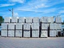Υπαίθρια αποθήκη εμπορευμάτων εργοστασίων - χώρος αποθήκευσης για τα δομικά υλικά Στοκ εικόνα με δικαίωμα ελεύθερης χρήσης