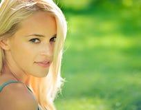 υπαίθρια γυναίκα πορτρέτ&omicr Στοκ Φωτογραφίες