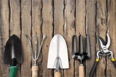 υπαίθρια θερινή εργασία κηπουρικής εξοπλισμού Στοκ Φωτογραφίες