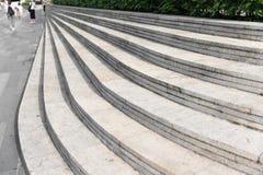 Υπαίθρια μαρμάρινα βήματα τόξων στοκ εικόνες