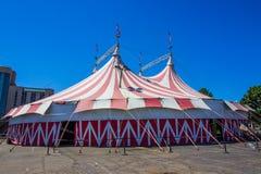 Υπαίθρια μεγάλη τοπ σκηνή τσίρκων στοκ εικόνες με δικαίωμα ελεύθερης χρήσης