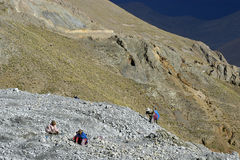 Υπαίθρια μεταλλεία στα ζωηρόχρωμα βουνά της Βολιβίας Στοκ Εικόνες