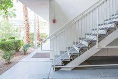 Υπαίθρια συγκεκριμένη σκάλα Στοκ εικόνα με δικαίωμα ελεύθερης χρήσης