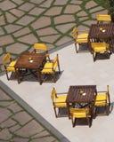 υπαίθριοι resturant πίνακες patio Στοκ Εικόνες