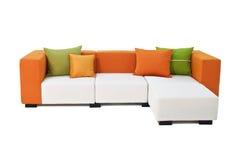 Υπαίθριος εσωτερικός καναπές με τα μαξιλάρια Στοκ Εικόνες